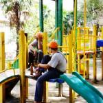Детская площадка — не место для выгула… детей