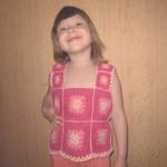 Вязаная майка крючком для девочки. Подарок Алинке на Новый 2014 Год.