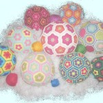 Вязаный мяч для оформления витрин, кафе и интерьеров — самое то!
