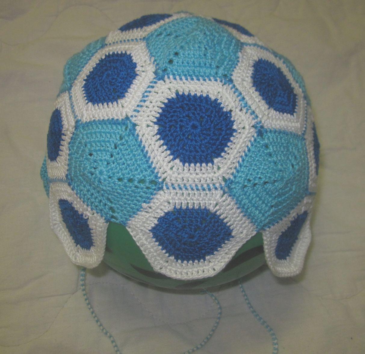 шапка футбольного фаната