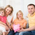 Какой может быть вклад в семью и всегда ли надо идти на «нормальную» работу